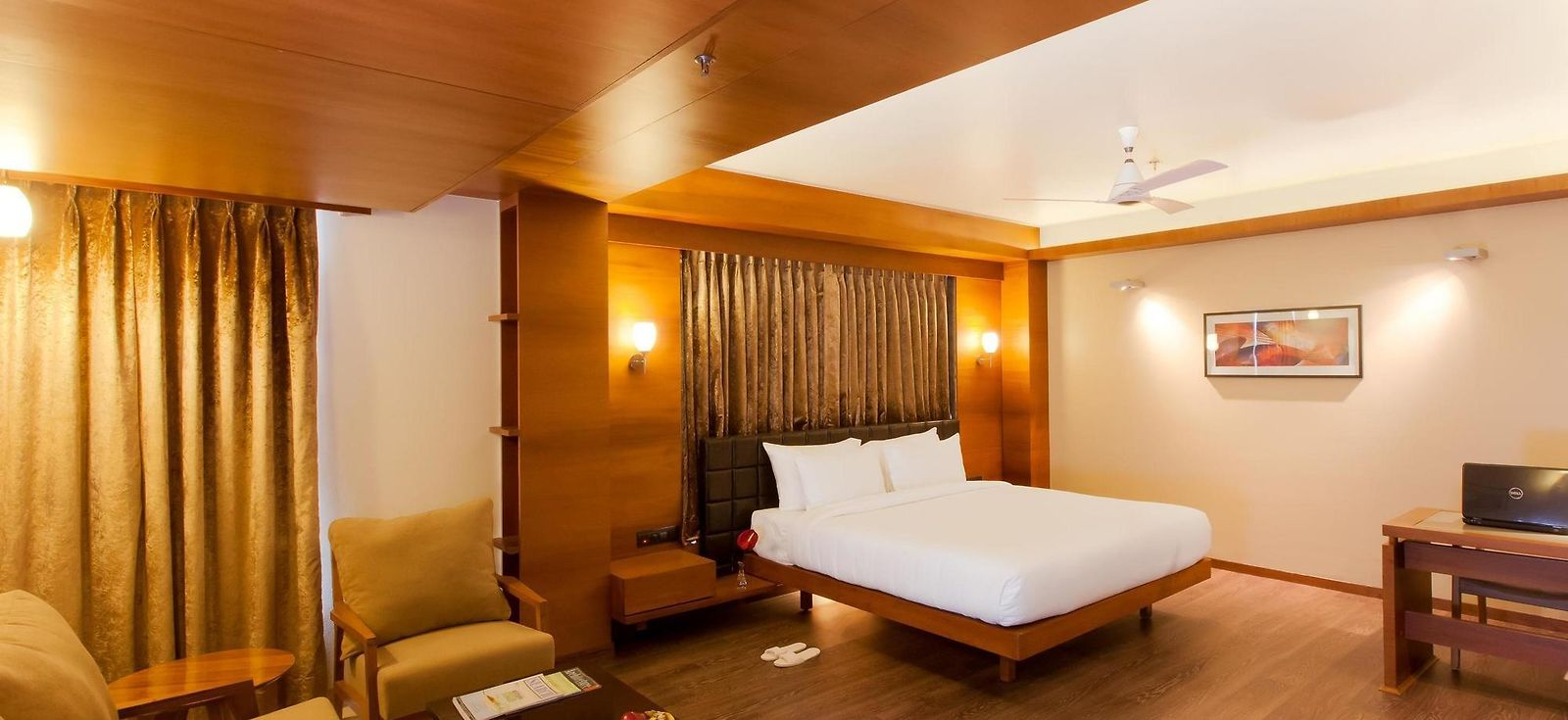 Hotel Furaat Inn Hotel Eastin Easy Citizen Ahmedabad